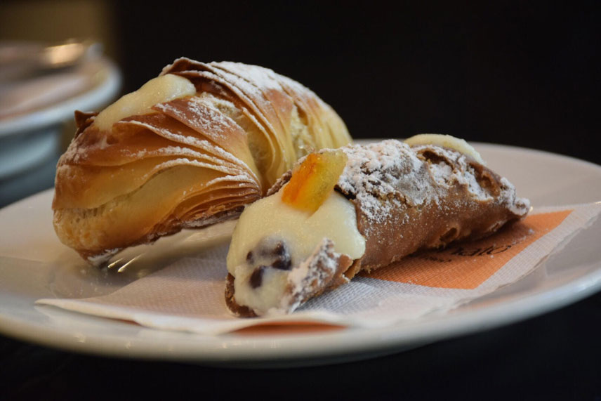 Pastry_Cannoli_Palermo