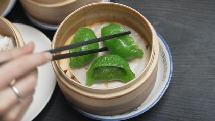 spinach dumpling dim sum at yum cha | Yum cha Tour In Hong Kong | Hong Kong Travel Video | ANYDOKO